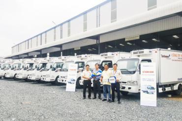 Chi nhánh Thaco Thủ Đức bàn giao lô 10 xe đông lạnh Thaco Frontier K165 cho khách hàng